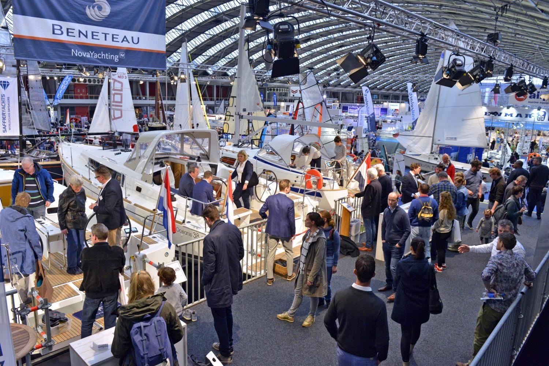 Zeilbootsteiger op de HISWA Amsterdam Boat Show